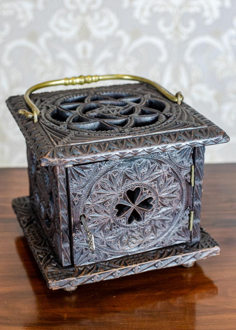 18th Century Wooden Foot Warmer For Sale 4