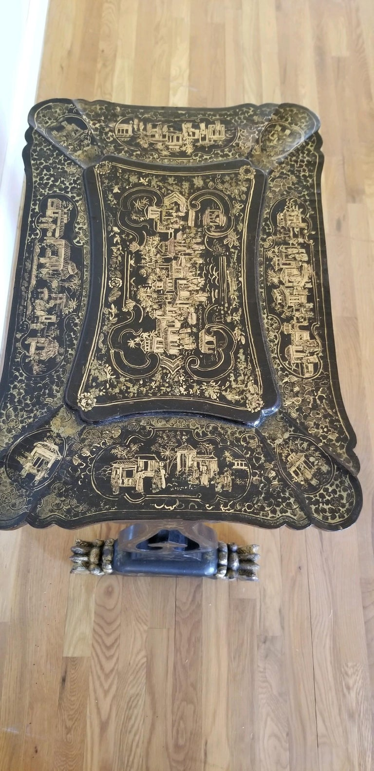 Hand-Painted 18th Early-19th Century Chinoiserie Sewing Table For Sale