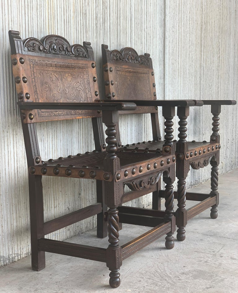 Pair of Colonial Catalan Spanish Altar Armchairs with Carved Leather In Good Condition For Sale In Miami, FL