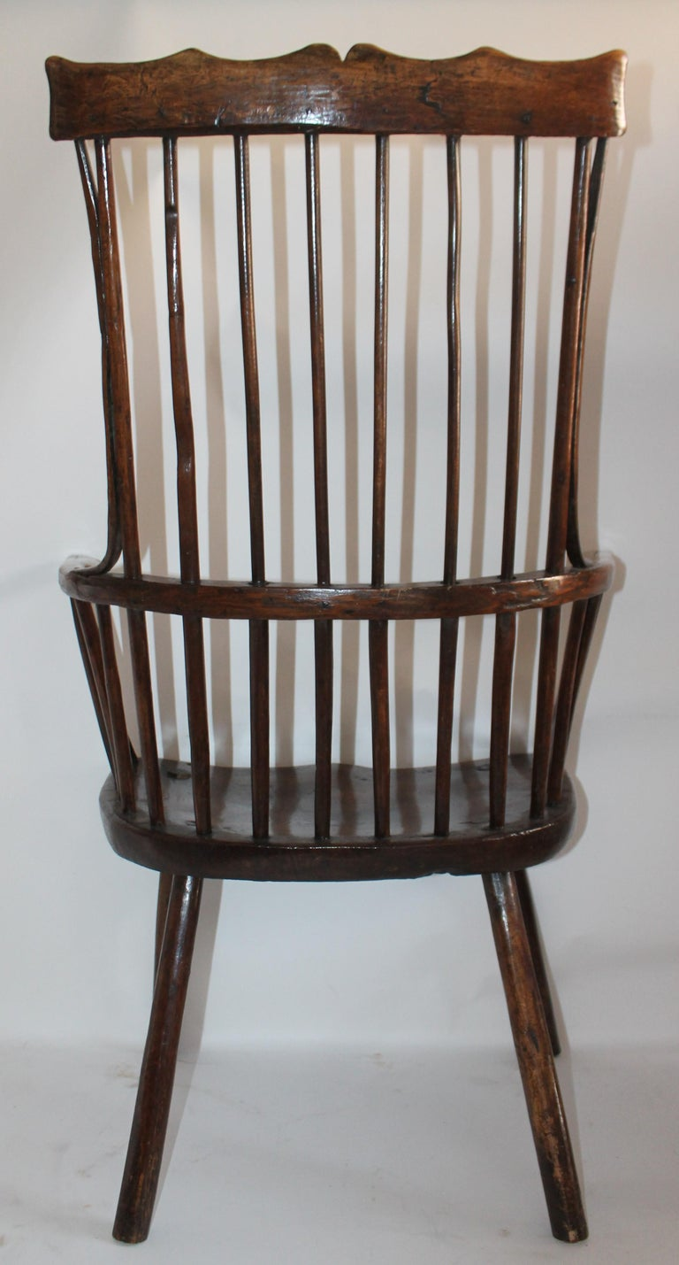 18th Century English Extended Arm High Back Windsor Chair For Sale 2