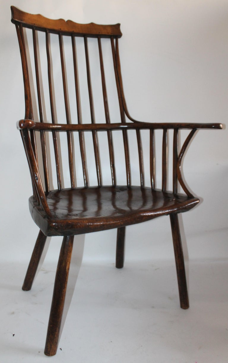 American 18th Century English Extended Arm High Back Windsor Chair For Sale