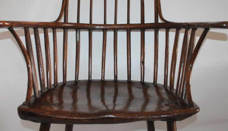 Hand-Crafted 18th Century English Extended Arm High Back Windsor Chair For Sale