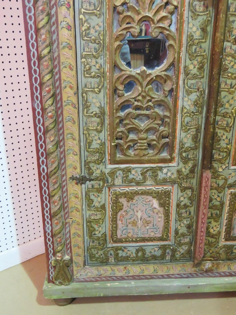 18th Century Italian Carved Wardrobe In Good Condition For Sale In Swedesboro, NJ