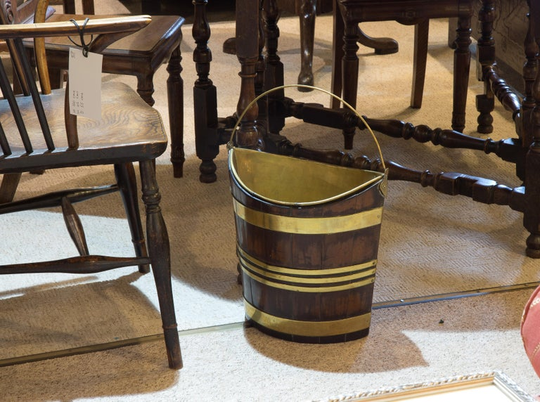 18th Century Mahogany and Brass Bound Bucket For Sale 2
