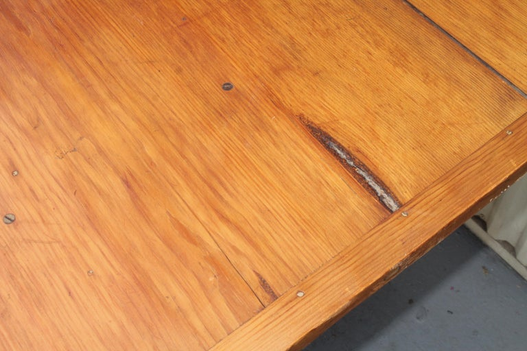 18th Century Original Red Painted Hutch Table For Sale 3