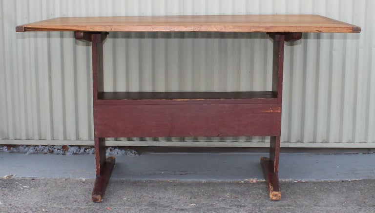 Hand-Crafted 18th Century Original Red Painted Hutch Table For Sale
