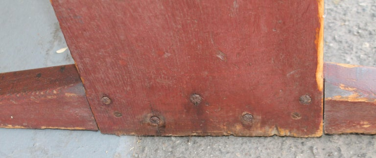 18th Century Original Red Painted Hutch Table For Sale 1