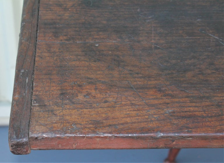 American 18th Century Tavern Table from New England For Sale