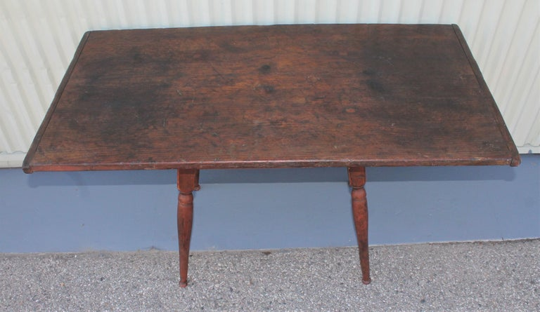18th Century Tavern Table from New England For Sale 1