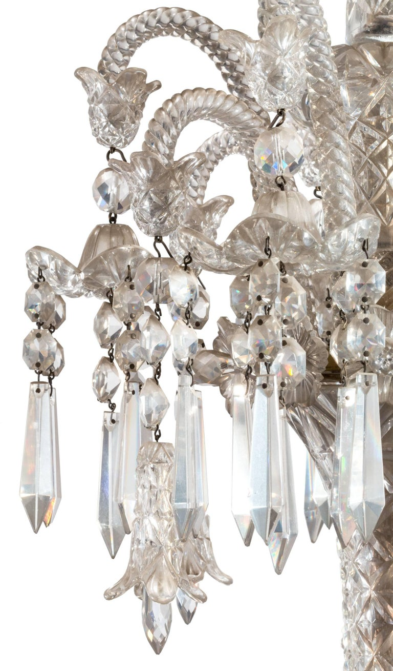 19th Century Neoclassical Baccarat Crystal and Glass 36-Light Crystal Chandelier For Sale 1