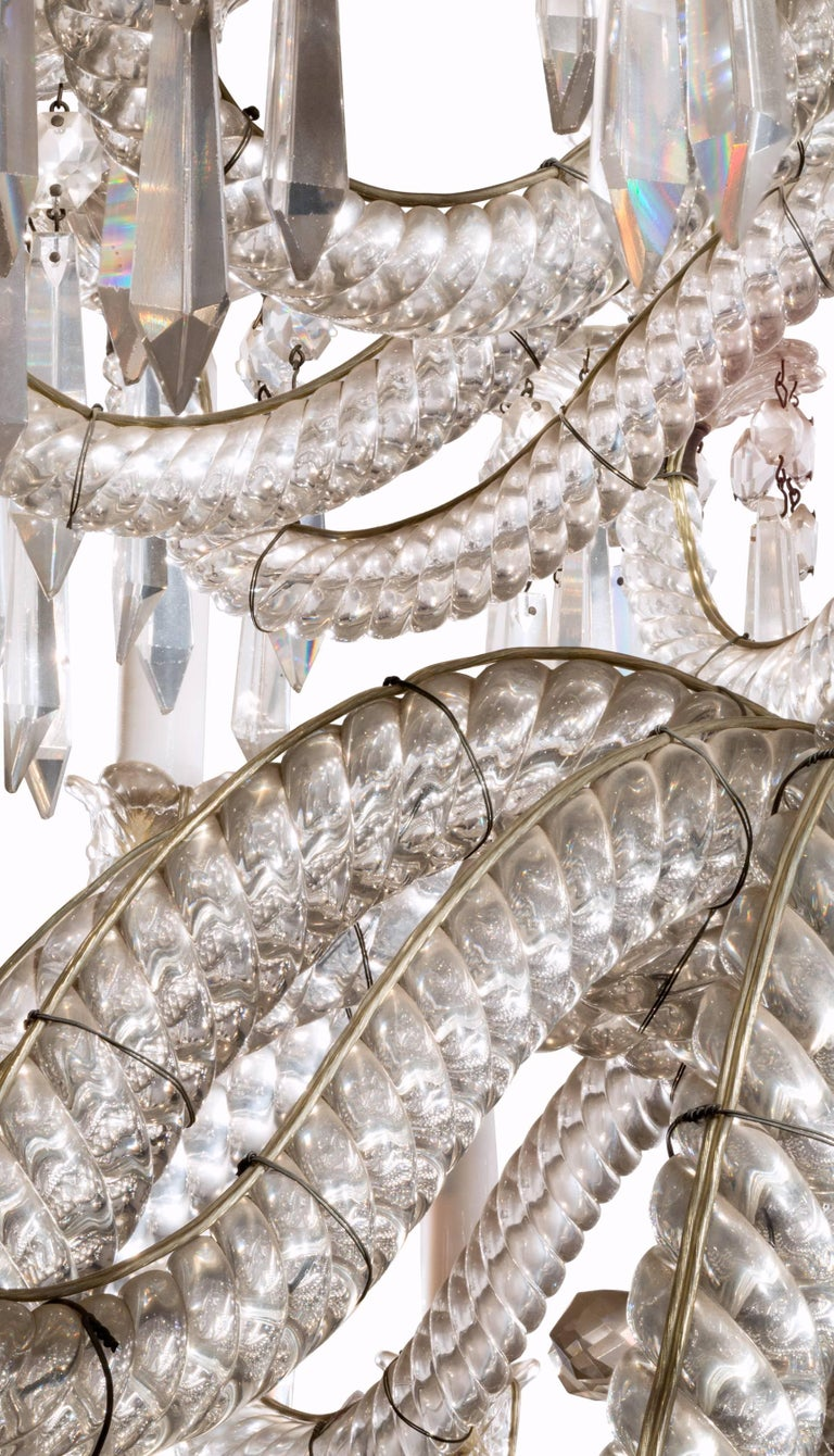 19th Century Neoclassical Baccarat Crystal and Glass 36-Light Crystal Chandelier For Sale 3