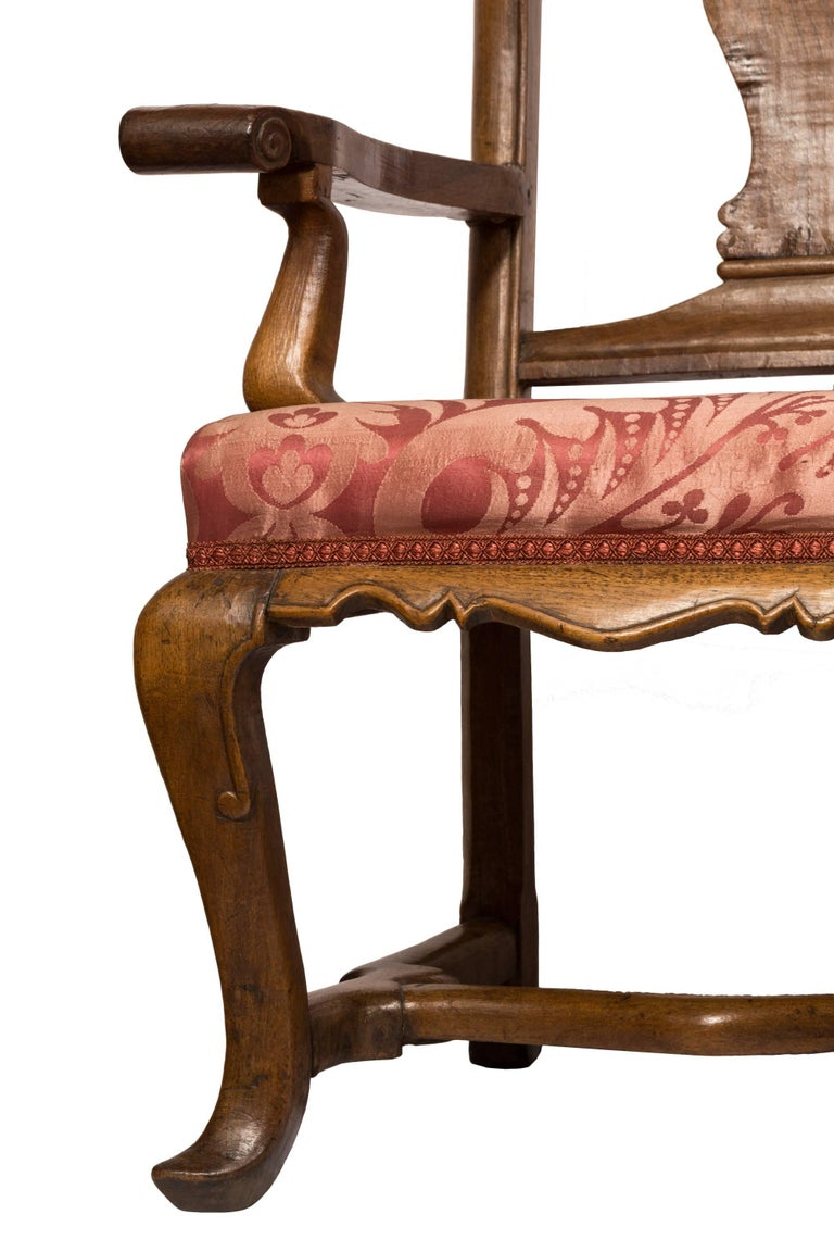 Hand-Carved 18th Century Spanish Wood and Silk Fabric Carlos III Chair Back Sofa For Sale