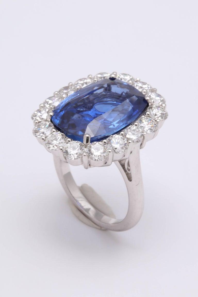 19 Carat Ceylon No Heat Sapphire and Diamond Ring For Sale 2