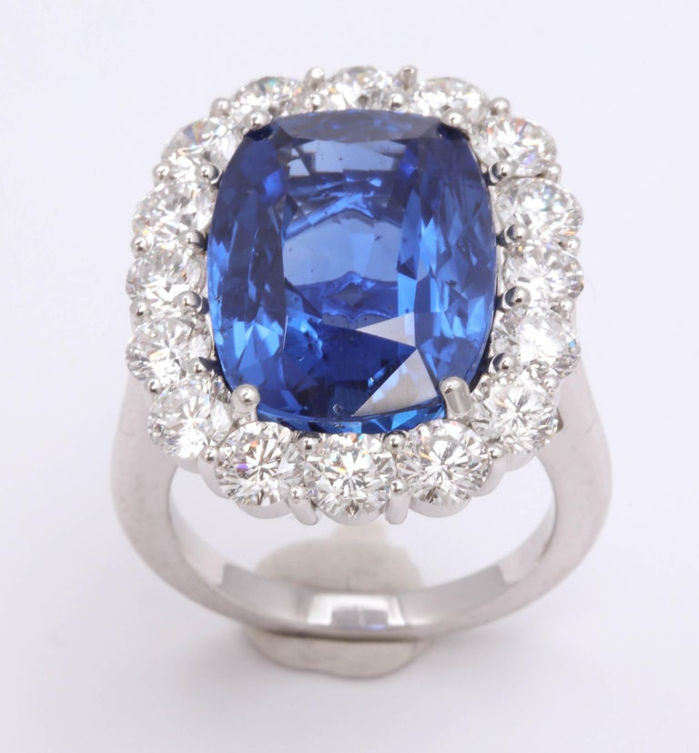 19 Carat Ceylon No Heat Sapphire and Diamond Ring For Sale 3