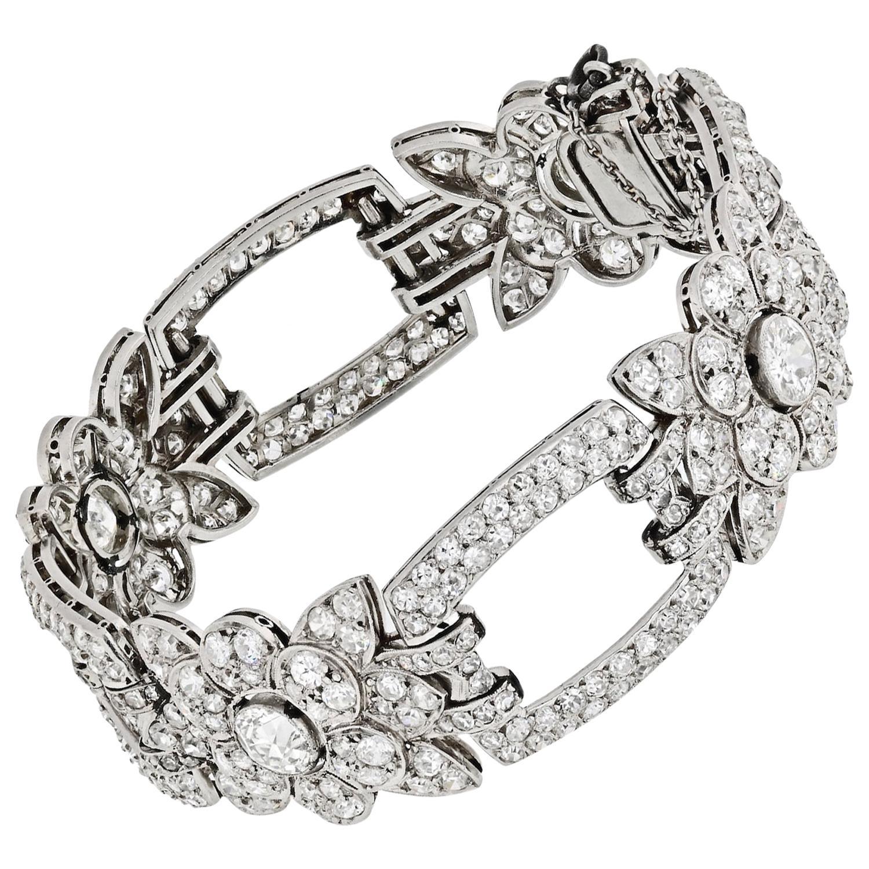 19 Carat Platinum Floral Motif Link Diamond 1930s Bracelet