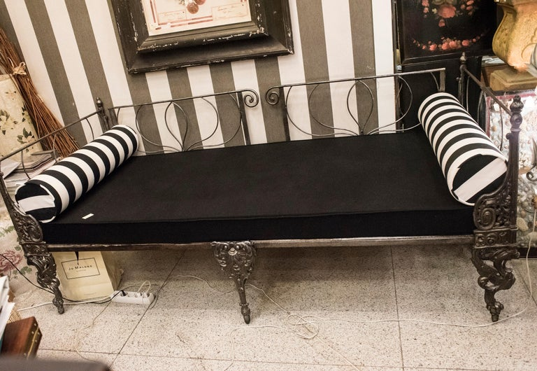 19th Century Napoleon III French Black Cast Iron Daybed For Sale 8