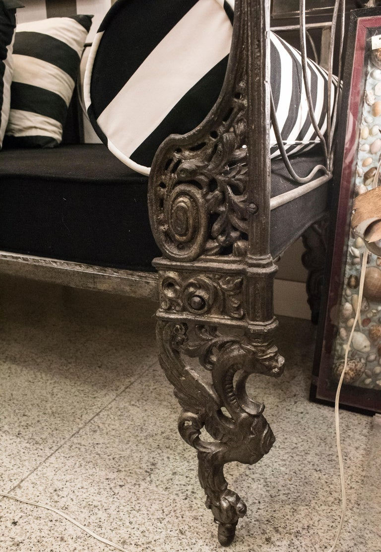 Mid-19th Century 19th Century Napoleon III French Black Cast Iron Daybed For Sale