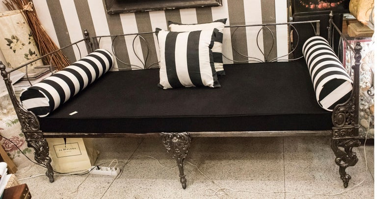 19th Century Napoleon III French Black Cast Iron Daybed For Sale 3