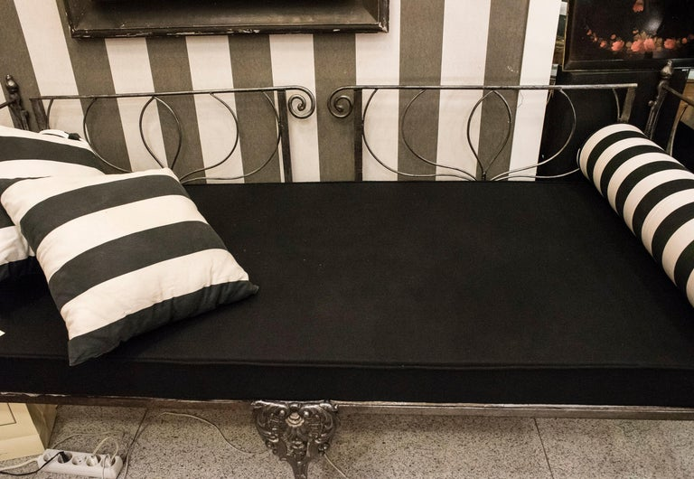 19th Century Napoleon III French Black Cast Iron Daybed For Sale 5