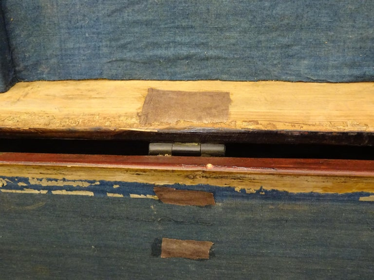 Late 19th Century Red Lacquer Chinese Storage Chest For Sale 8