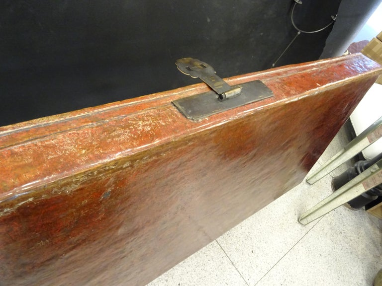 Late 19th Century Red Lacquer Chinese Storage Chest For Sale 13