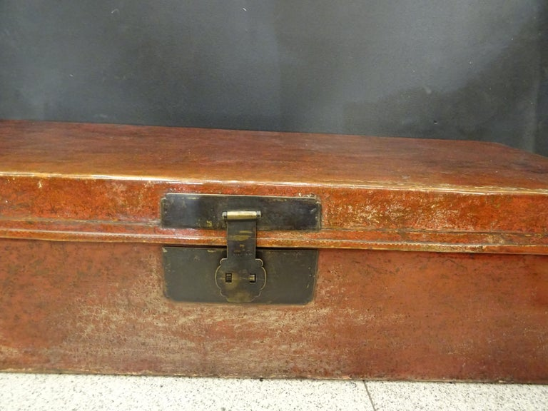 Hand-Crafted Late 19th Century Red Lacquer Chinese Storage Chest For Sale