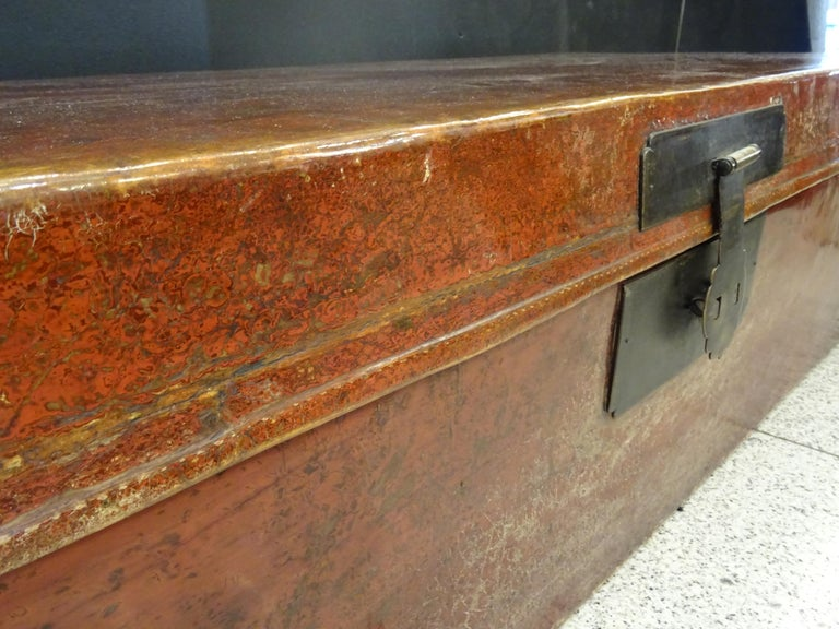 Late 19th Century Red Lacquer Chinese Storage Chest For Sale 1