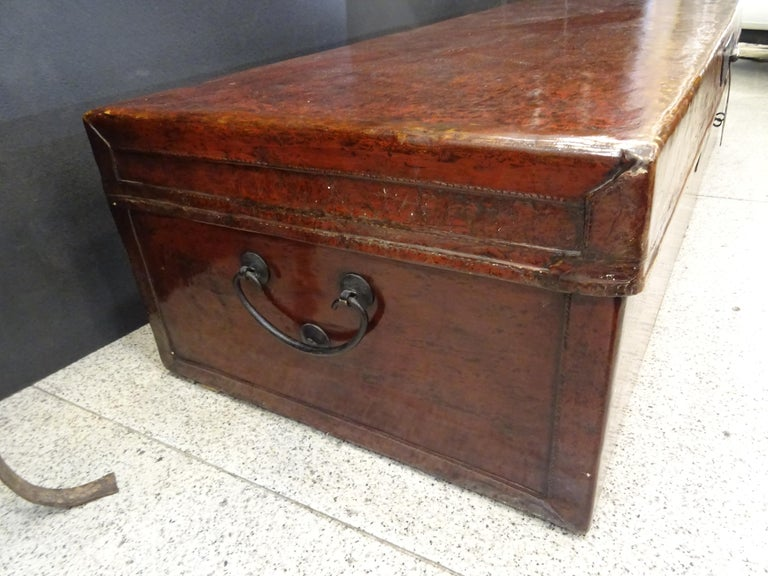 Late 19th Century Red Lacquer Chinese Storage Chest For Sale 2