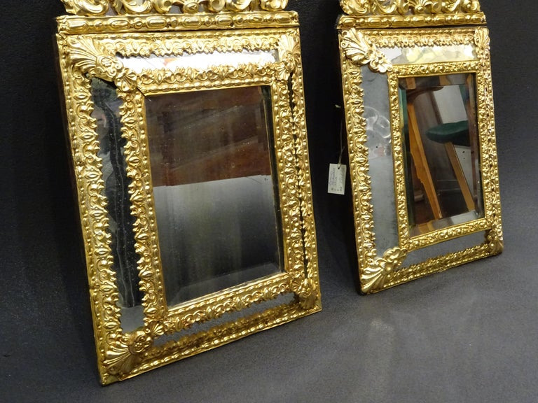 19th Dutch Pair of Mirrors in Gilt Metal with Fine Gold on Wood In Good Condition For Sale In Valladolid, ES