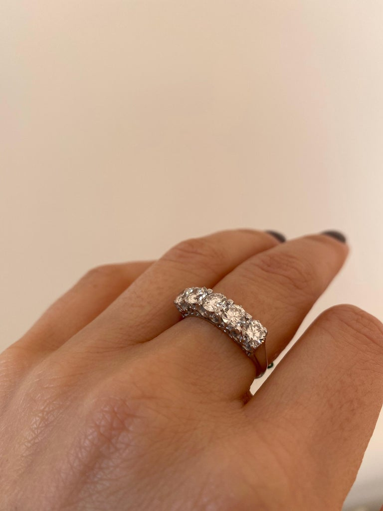 1.90 Carat Diamond Five-Stone Gold Ring For Sale 4