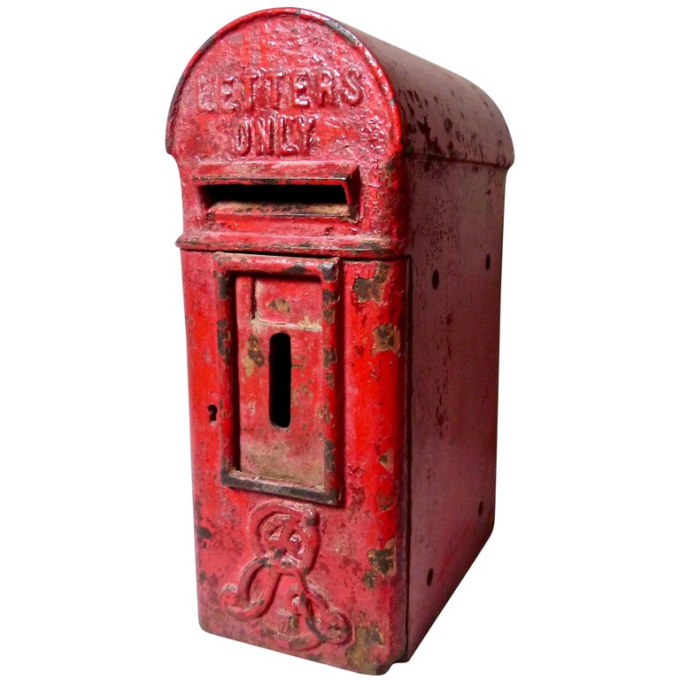 Royal Mail Letter Box.1900 1910 Cast Iron English Royal Mail Letter Box