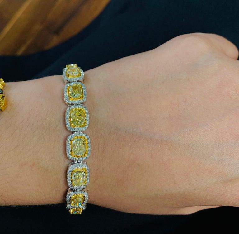 Women's or Men's 19.00 Carat Cushion Cut Yellow and White Diamond Bracelet For Sale