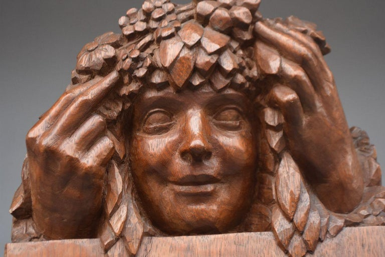 French 1900 Head of a Girl with Flowers Art Nouveau Sculpture in Patinated Wood For Sale