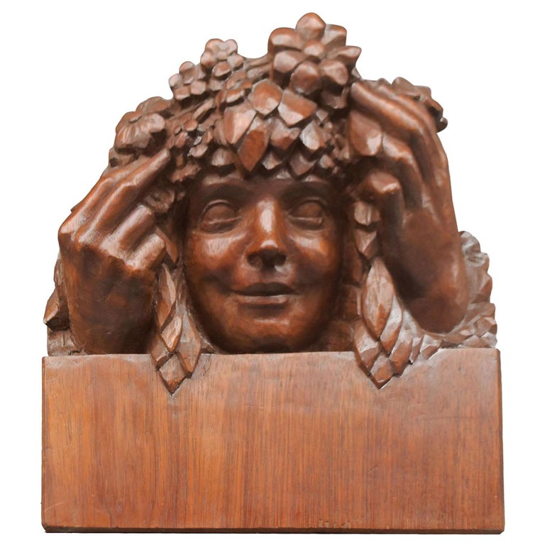 1900 Head of a Girl with Flowers Art Nouveau Sculpture in Patinated Wood For Sale