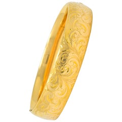 1900 Victorian 14 Karat Yellow Gold Floral Foliate Bangle Bracelet
