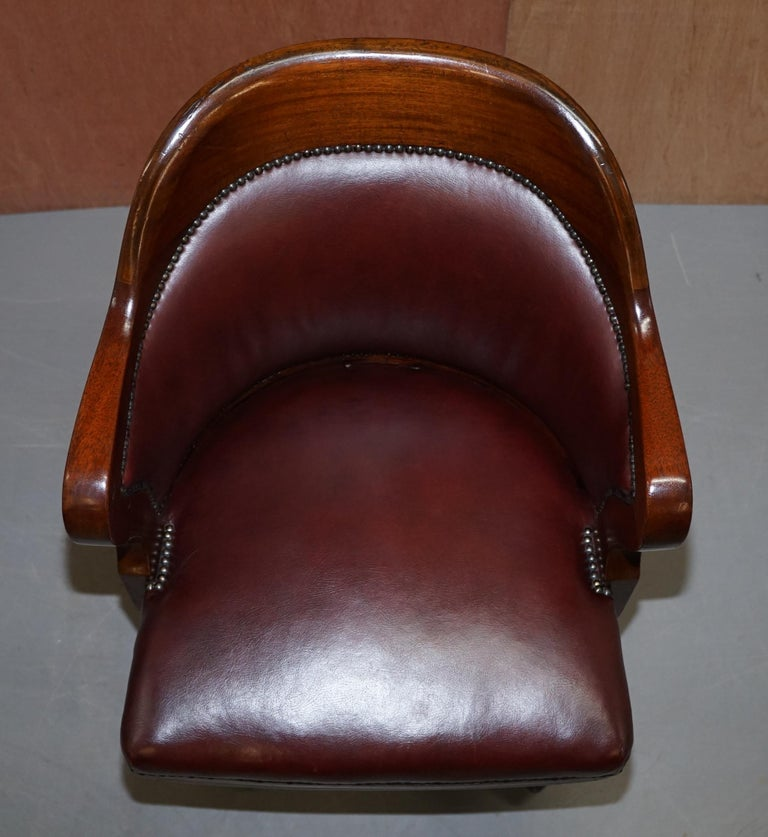 Scottish 1900 Wylie & Lochhead by Appointment to the King Oxblood Leather Captains Chair For Sale