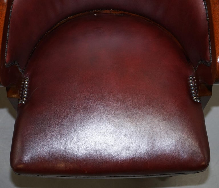 1900 Wylie & Lochhead by Appointment to the King Oxblood Leather Captains Chair For Sale 1
