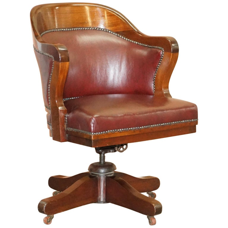 1900 Wylie & Lochhead by Appointment to the King Oxblood Leather Captains Chair For Sale