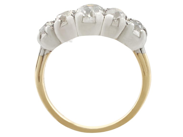 Women's 1900s Antique 1.32 Carat Diamond and Yellow Gold Five-Stone Ring For Sale