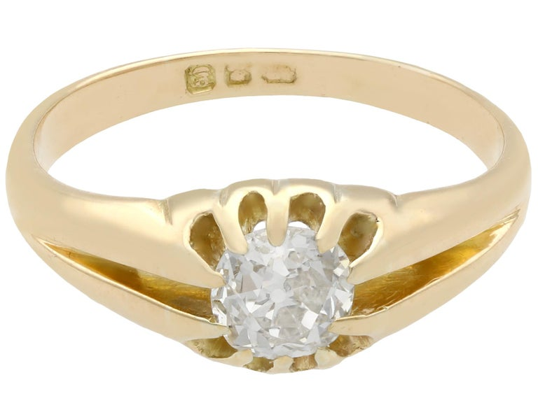 Round Cut Antique 1900s Diamond and Yellow Gold Ring For Sale