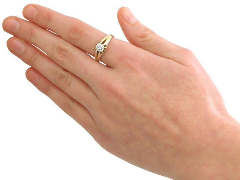 Antique 1900s Diamond and Yellow Gold Ring For Sale 1