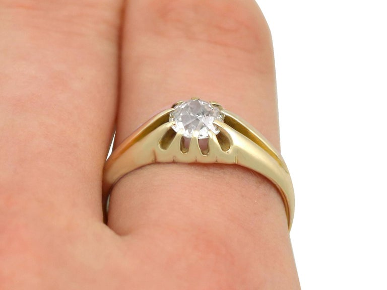 Antique 1900s Diamond and Yellow Gold Ring For Sale 3