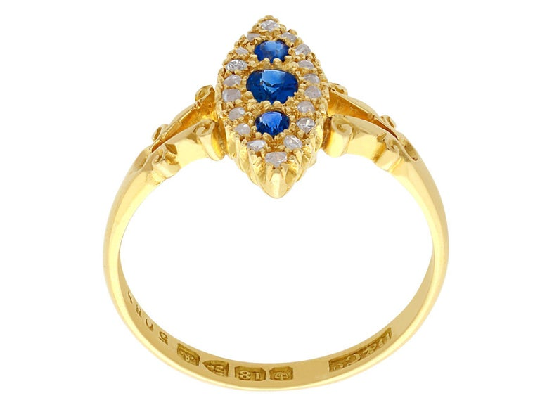 1900s Antique Sapphire and Diamond Yellow Gold Cocktail Ring In Excellent Condition For Sale In Jesmond, Newcastle Upon Tyne