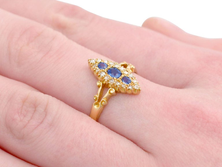 1900s Antique Sapphire and Diamond Yellow Gold Cocktail Ring For Sale 1