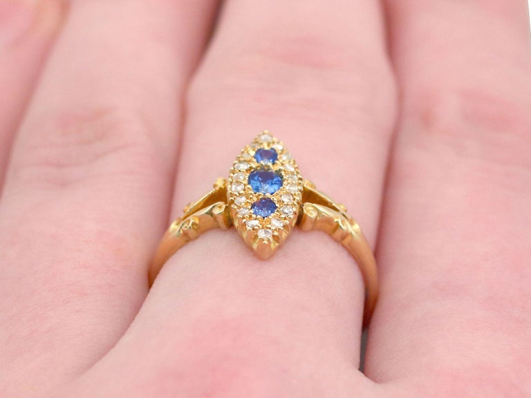 1900s Antique Sapphire and Diamond Yellow Gold Cocktail Ring For Sale 2