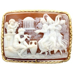 1900s Antique Victorian Carved Shell and Yellow Gold Cameo Brooch