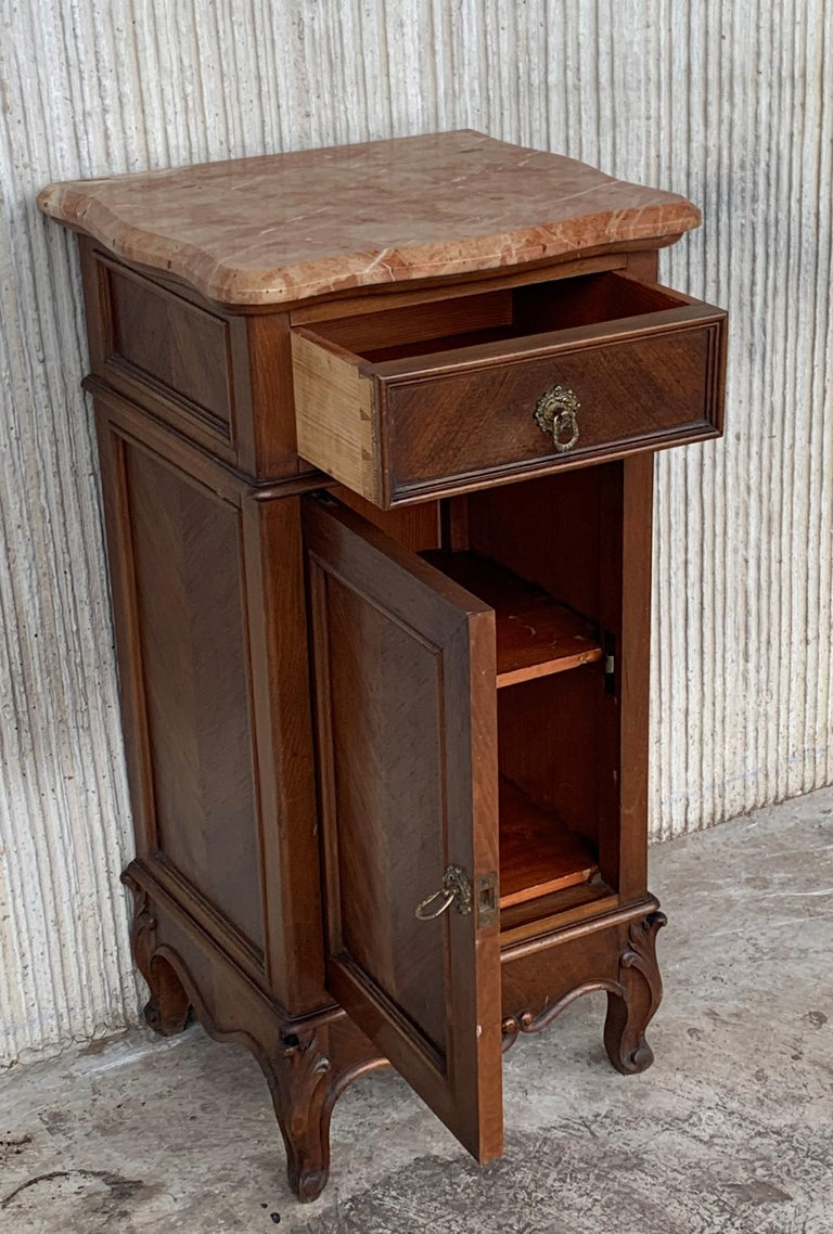 20th Century 1900s, Art Nouveau Pair of Walnut Nightstands with Crest and Marble Top For Sale