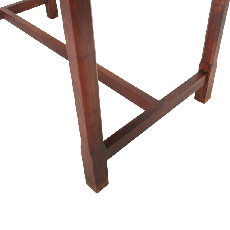 1900s Wiener Occasional table or writting desk in Walnut Restored wax Polished For Sale 1