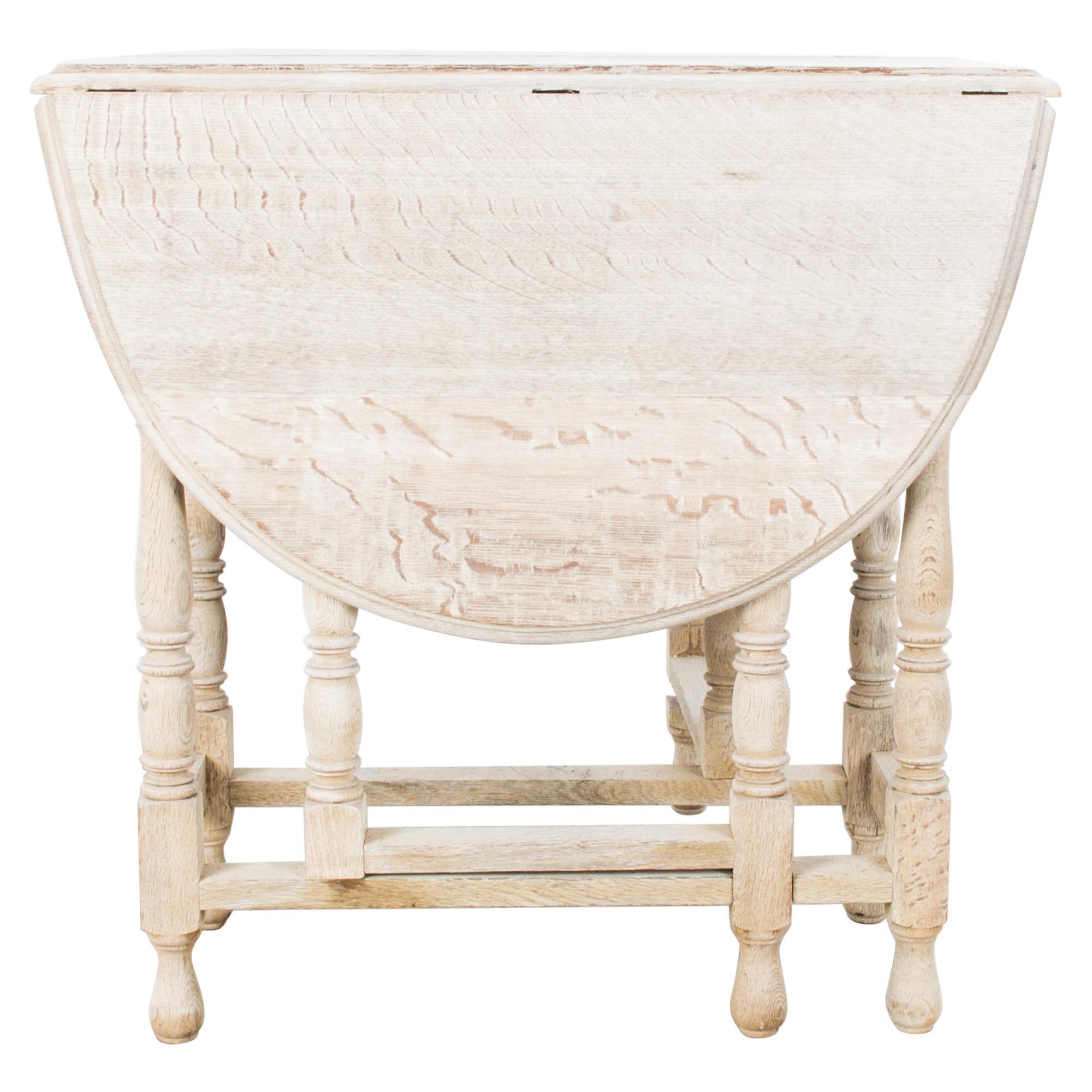 1900s British Oak Gate Leg Table