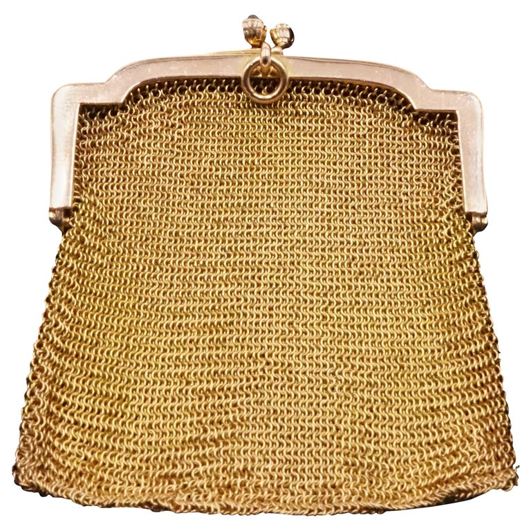 1900s Cartier Sapphire and 14 Carat Gold Mesh Bag For Sale